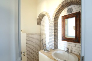 Villa Diamond Bathroom